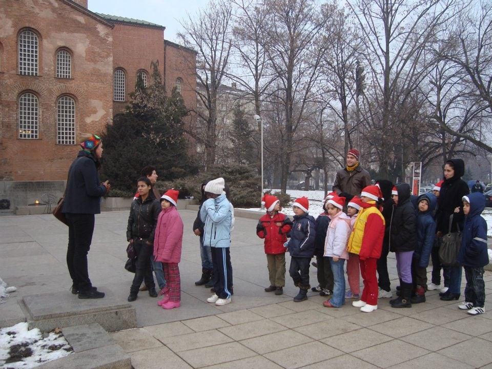 Децата от с. Доганово на тур в началото на 2012