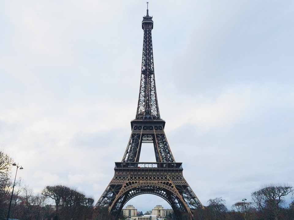 eiffel-tower-1209943_960_720